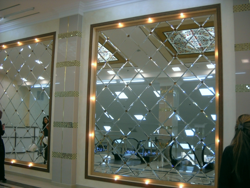 Зеркальные стенки в Симферополе, цена фальцет
